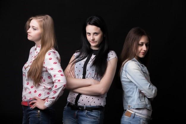 angry-girls_1163-528