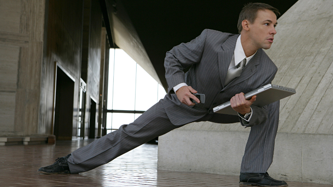 business-man-in-lunge-position