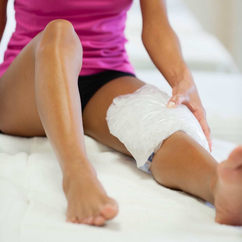 woman-icing-knee_0