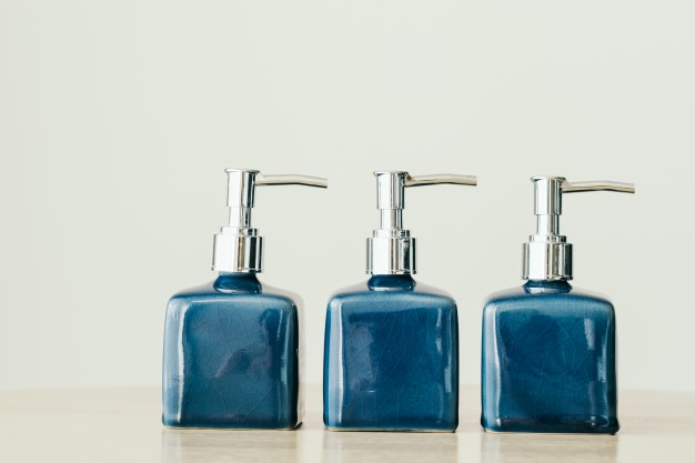 blank-bottle-lotion_1203-7239