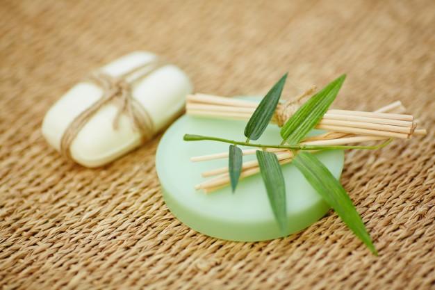 natural-spa-cosmetics_1098-1355