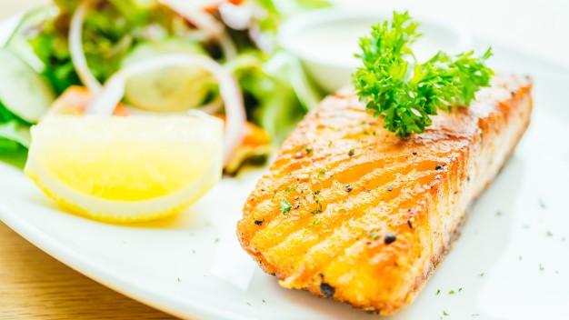 salmon-steak_1203-9926