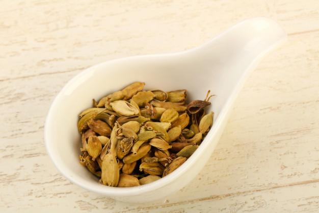 dry-cardamom-seeds_1472-2688