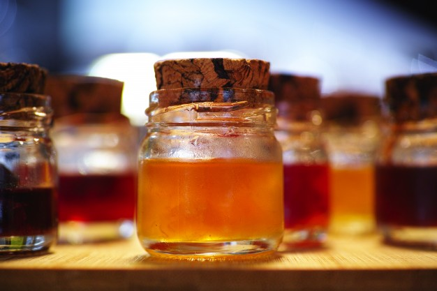 marmalade-jars_1122-418