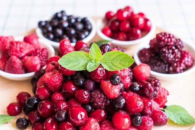 frozen-mixed-berry_1339-4190