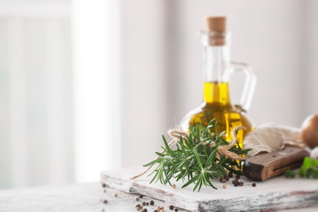 healthy-ingredients-on-a-kitchen-table-spaghetti-olive-oil-t_1220-819