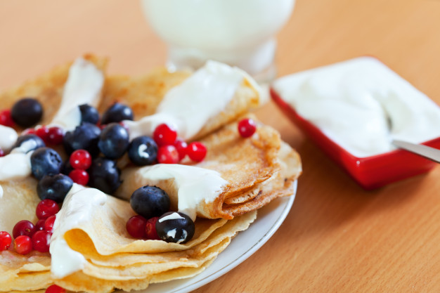 closeup-of-delicious-sweet-pancakes_1398-4811
